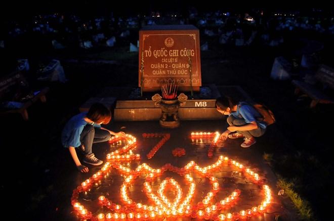Lễ viếng hồn anh hùng và liệt sĩNgày 27 tháng 7 tại nghĩa trang